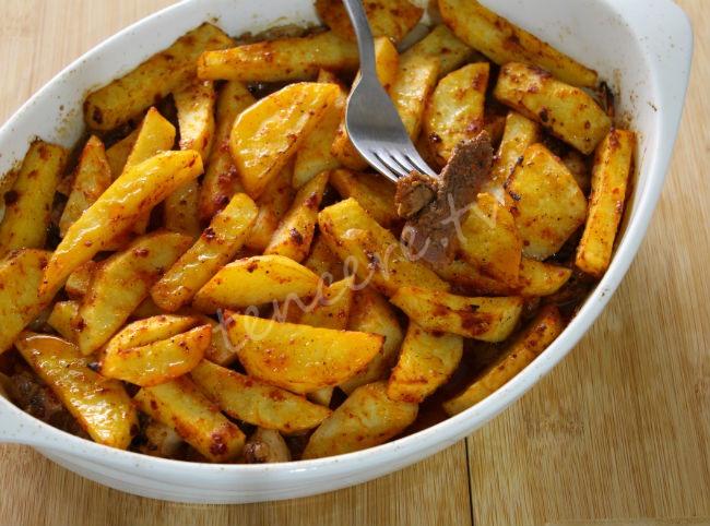 Fırında Patatesli Et (annemin tarifi) tarifi