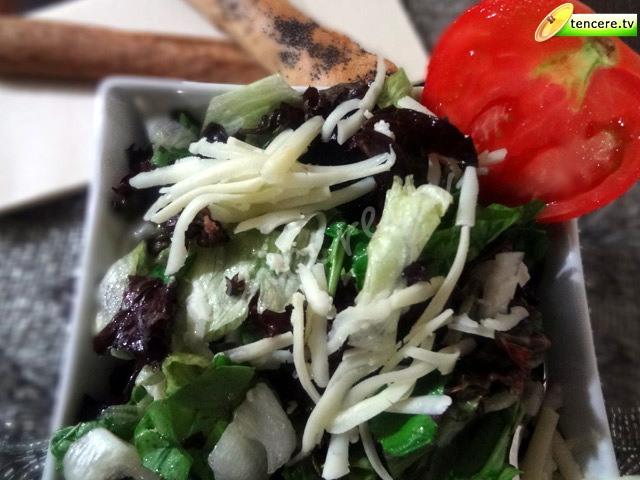 Fesleğenli Salata tarifi