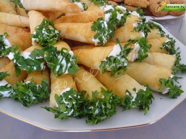 Peynirli Külah Böreği tarifi