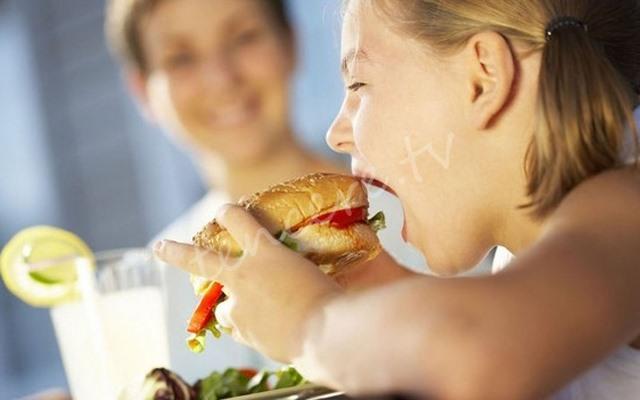 Çocukların beslenmesinde hazır gıda tehlikesi tarifi