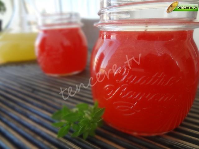 Çimonata (çilekli limonata) tarifi