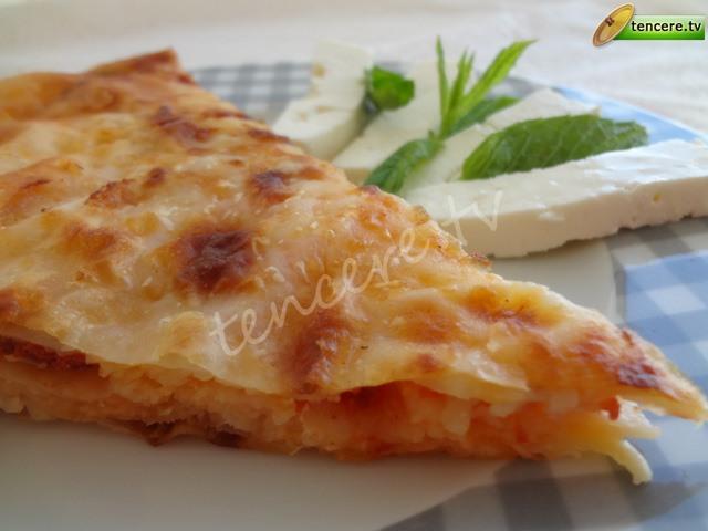 Tavada Pizza Böreği tarifi
