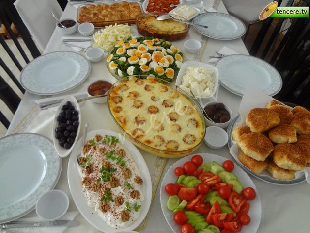 Kahvaltı Menüsü (Ayşe Hanım) tarifi