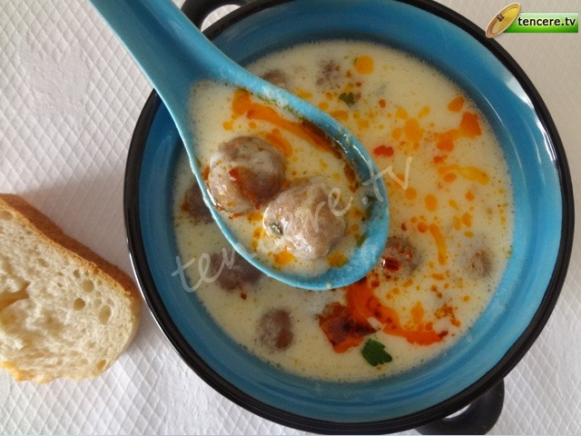 Köfteli Yoğurt Çorbası tarifi