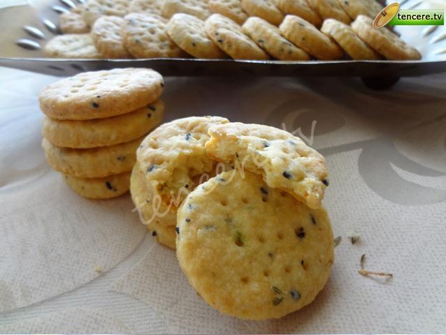 Peynirli Çörekotlu Kraker tarifi