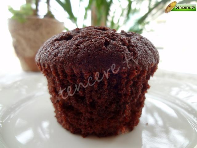 Kakaolu Üzümlü Muffin tarifi