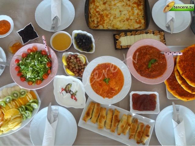 Sömestr'de Aile Kahvaltımız tarifi
