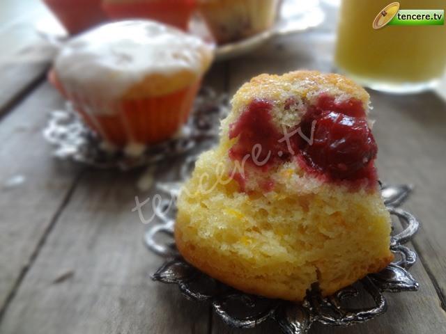 Portakallı Vişneli Muffin tarifi