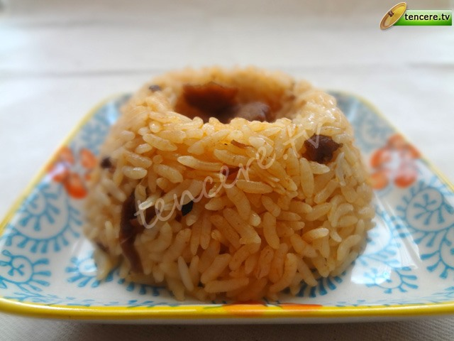 Etli Salçalı Pirinç Pilavı tarifi
