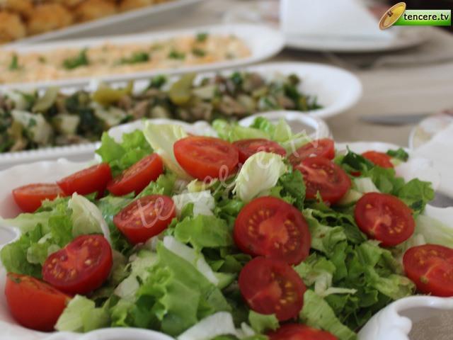 Karışık Gün Salatası tarifi