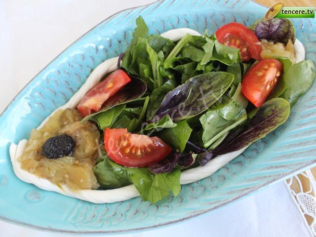 Peynirli Patlıcanlı Ekşimen Salatası tarifi