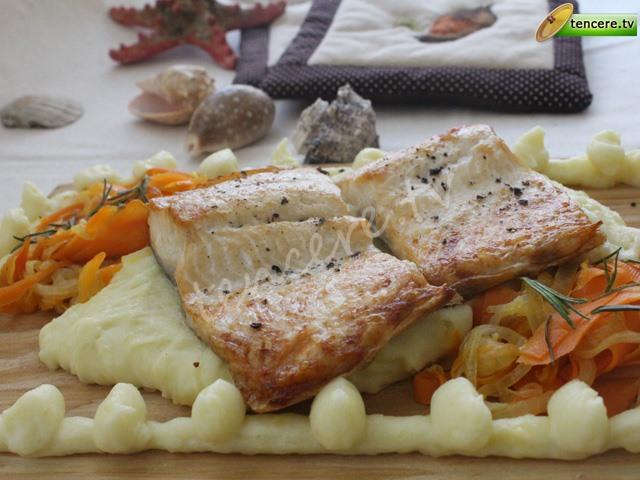 Patates Püreli Sebzeli Izgara Somon tarifi