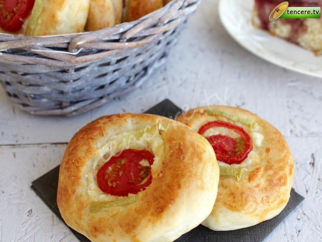 Peynirli Minik Pizza tarifi