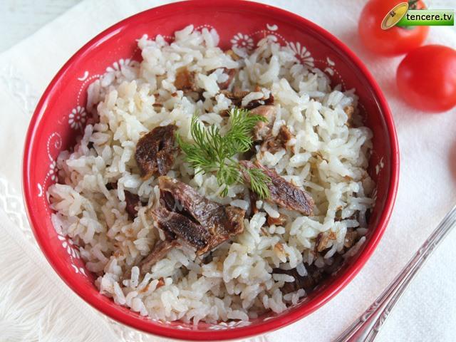 Kavurmalı Pirinç Pilavı tarifi