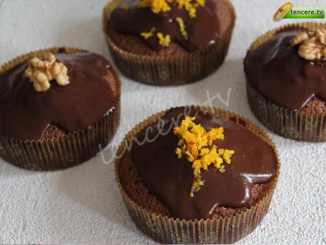 Çikolata Soslu Muffin tarifi
