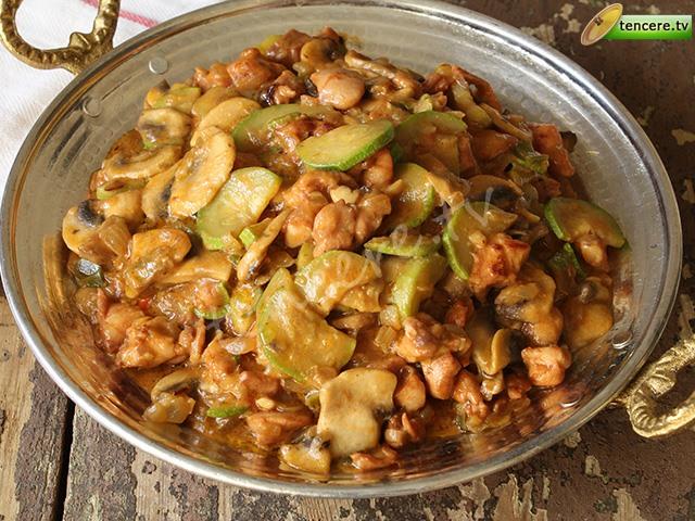 Sebzeli Kremalı Tavuk Sote tarifi