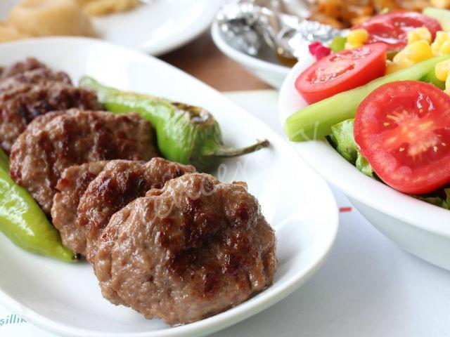 Et köftesi Yapmanın Püf Noktaları tarifi